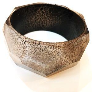 Jewelry - Geometric Crackle Pattern Bracelet